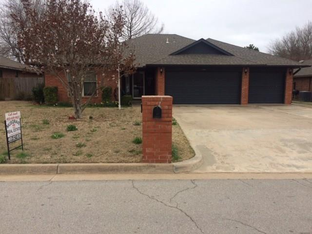 1204 Tuggle, Purcell, OK 73080 (MLS #811707) :: Barry Hurley Real Estate