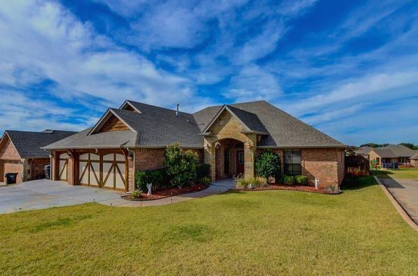 1305 Brice Drive, Moore, OK 73160 (MLS #812139) :: Homestead & Co