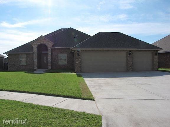 5600 Sanderling, Oklahoma City, OK 73179 (MLS #813791) :: UB Home Team