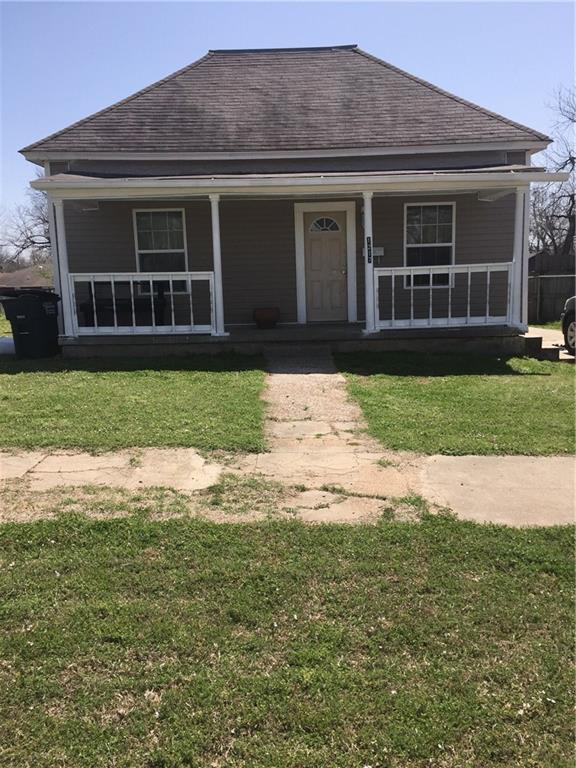 1217 E 10th Street, Shawnee, OK 74801 (MLS #813953) :: Wyatt Poindexter Group