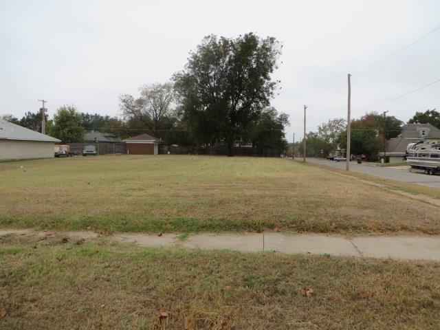 804 S 7th Street, Chickasha, OK 73018 (MLS #814797) :: Homestead & Co