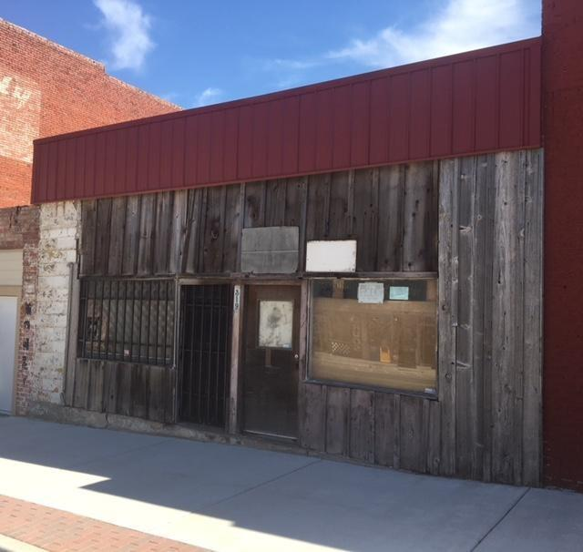 319 E Main, Shawnee, OK 74801 (MLS #815587) :: Homestead & Co
