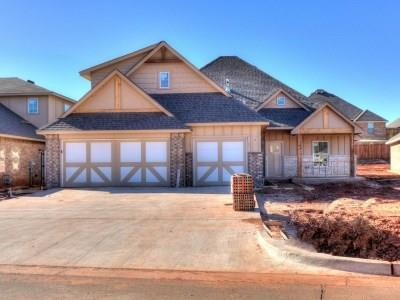 2009 Creek Side Circle, Moore, OK 73160 (MLS #816044) :: Barry Hurley Real Estate