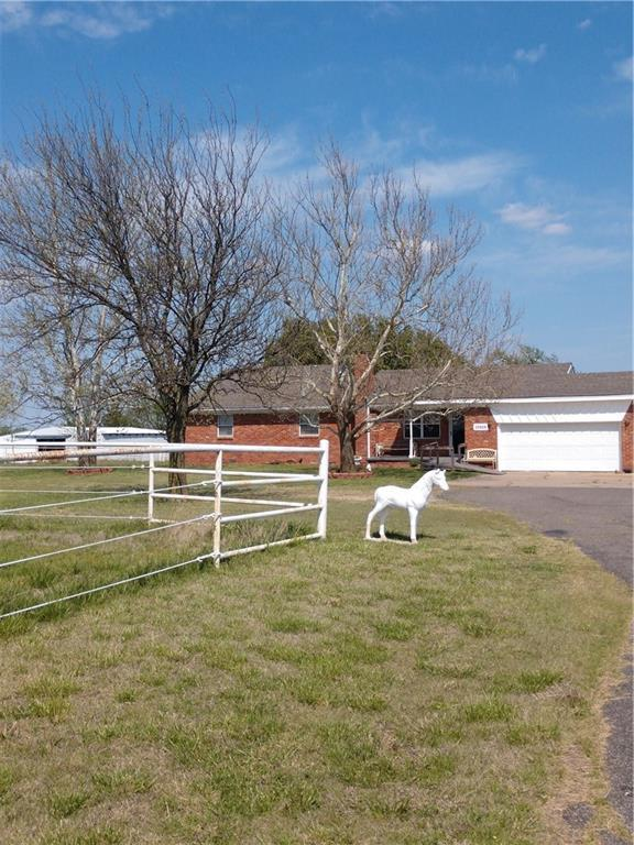 10808 S Bryant, Moore, OK 73160 (MLS #816285) :: Barry Hurley Real Estate