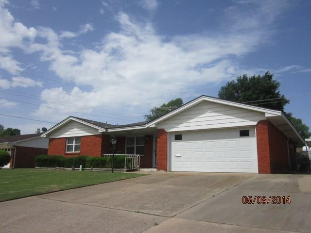 109 Country Club Terrace, Midwest City, OK 73110 (MLS #816509) :: Homestead & Co
