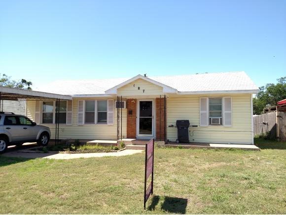 187 Helen Hocker, Elk City, OK 73644 (MLS #818326) :: Wyatt Poindexter Group