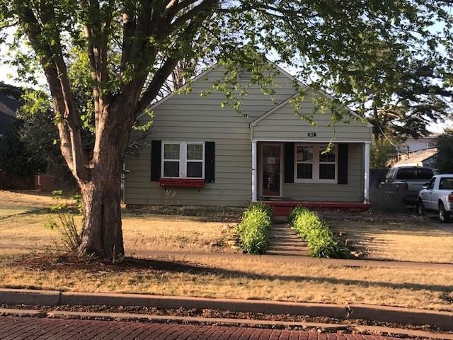 615 W Broadway Avenue, Elk City, OK 73644 (MLS #820318) :: KING Real Estate Group