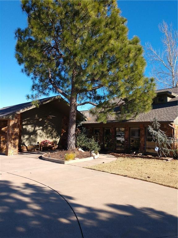 6904 Basswood Canyon Road, Oklahoma City, OK 73162 (MLS #821143) :: Homestead & Co