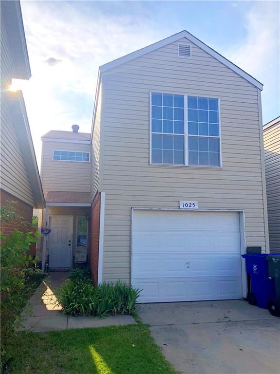 1025 Rambling Oaks, Norman, OK 73072 (MLS #821898) :: Wyatt Poindexter Group