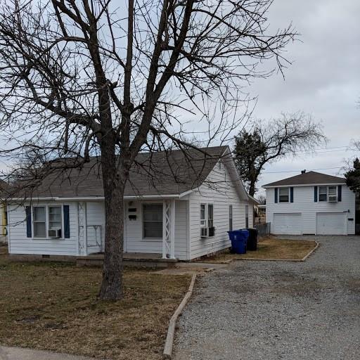 810 E Main Street, Norman, OK 73071 (MLS #823146) :: Wyatt Poindexter Group