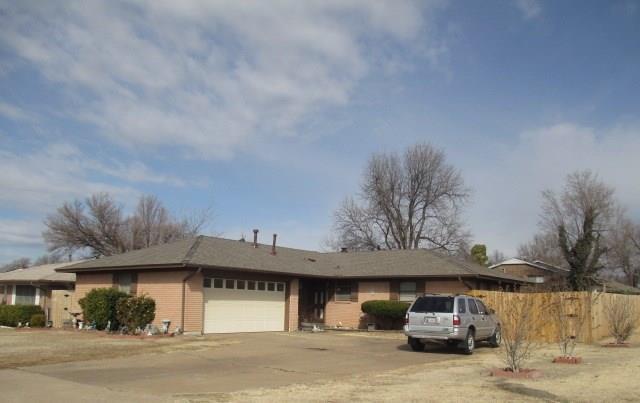 141 E Jarman, Midwest City, OK 73110 (MLS #823925) :: Wyatt Poindexter Group