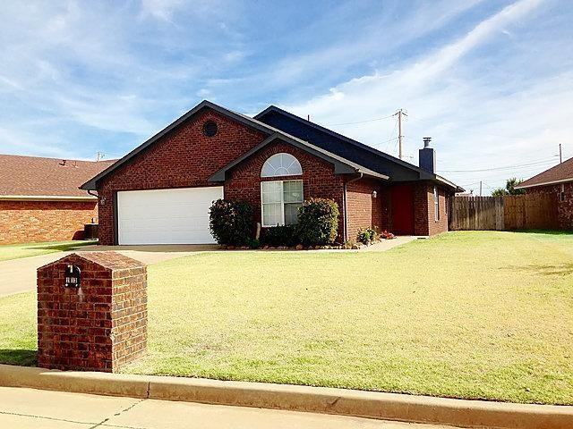 2812 N Towne, Altus, OK 73521 (MLS #824027) :: Wyatt Poindexter Group
