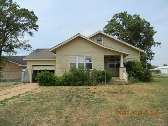 609 E Broadway, Thomas, OK 73669 (MLS #824105) :: Meraki Real Estate