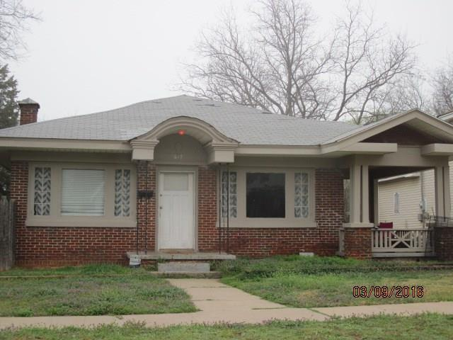 617 NW 33rd Street, Oklahoma City, OK 73118 (MLS #824316) :: Erhardt Group at Keller Williams Mulinix OKC