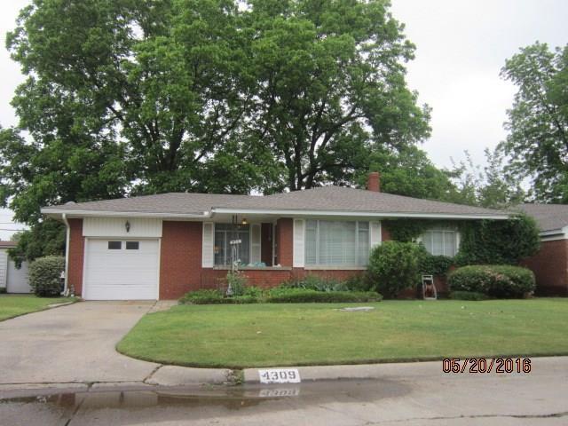 4309 NW 21st Terrace, Oklahoma City, OK 73107 (MLS #824488) :: Wyatt Poindexter Group
