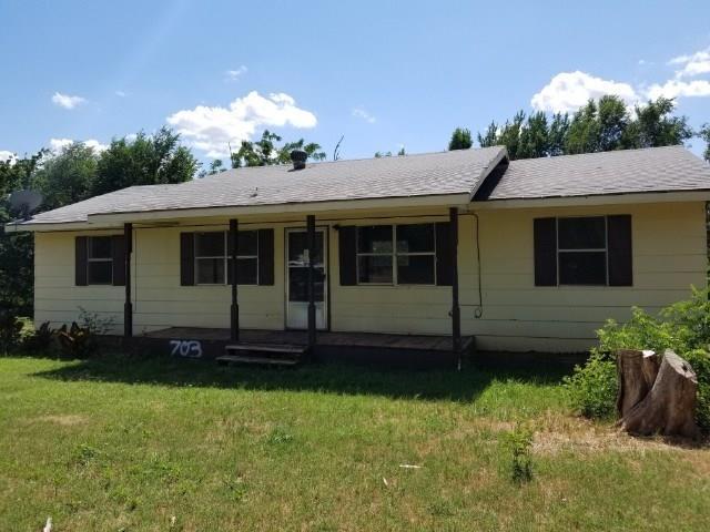 703 Acme Street, Cement, OK 73017 (MLS #824497) :: Wyatt Poindexter Group