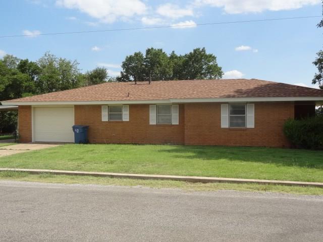 301 S Market, Cordell, OK 73632 (MLS #825121) :: KING Real Estate Group