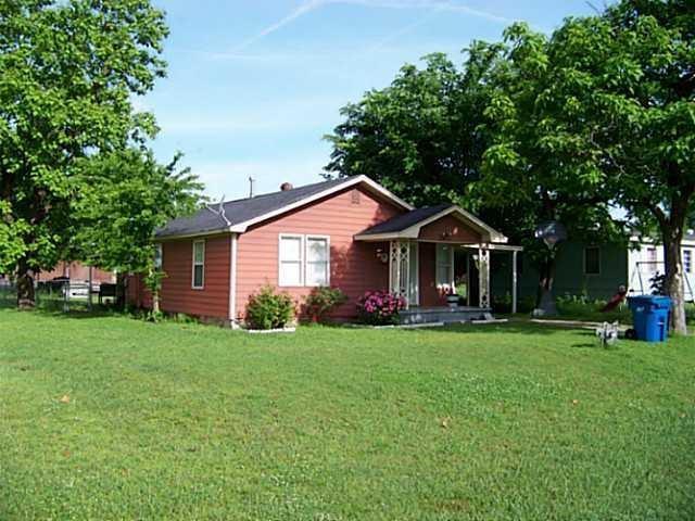 707 N Cleason Avenue, Davenport, OK 74026 (MLS #826719) :: Wyatt Poindexter Group