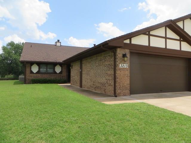 3213 Brookridge Road, Chickasha, OK 73018 (MLS #827821) :: UB Home Team