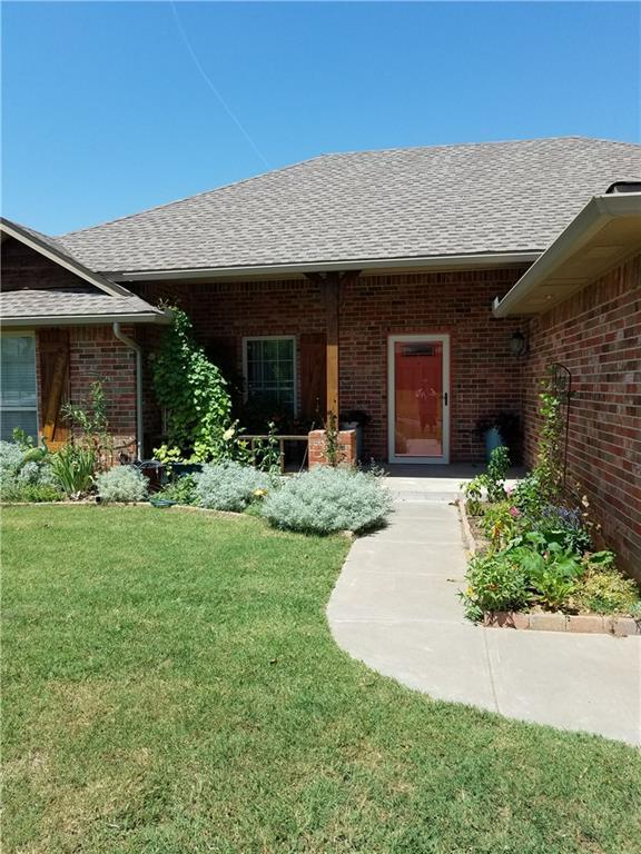 2409 Austrian Pine Drive, Choctaw, OK 73020 (MLS #829193) :: Homestead & Co