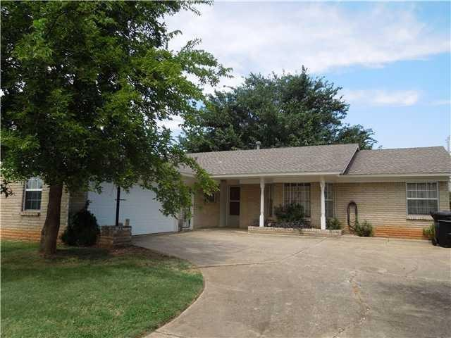 107 Kimberling Drive, Moore, OK 73160 (MLS #829343) :: Barry Hurley Real Estate