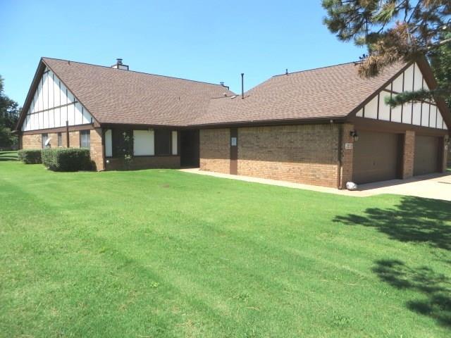 3232 Pondridge Road, Chickasha, OK 73018 (MLS #830187) :: Homestead & Co