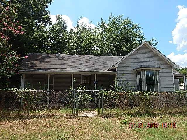 301 S Oklahoma Street, Shawnee, OK 74801 (MLS #831630) :: Homestead & Co