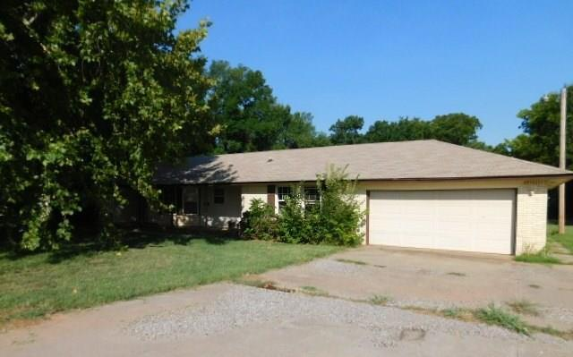 3201 Stone Drive, Tuttle, OK 73089 (MLS #832587) :: Erhardt Group at Keller Williams Mulinix OKC