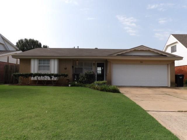716 NW 15th Street, Moore, OK 73160 (MLS #832620) :: Homestead & Co