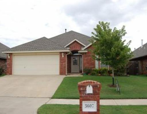 3607 Jubilee, Norman, OK 73072 (MLS #833223) :: Erhardt Group at Keller Williams Mulinix OKC