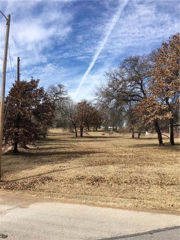 Acres & Friendly .61 Acre, Midwest City, OK 73130 (MLS #833342) :: Erhardt Group at Keller Williams Mulinix OKC