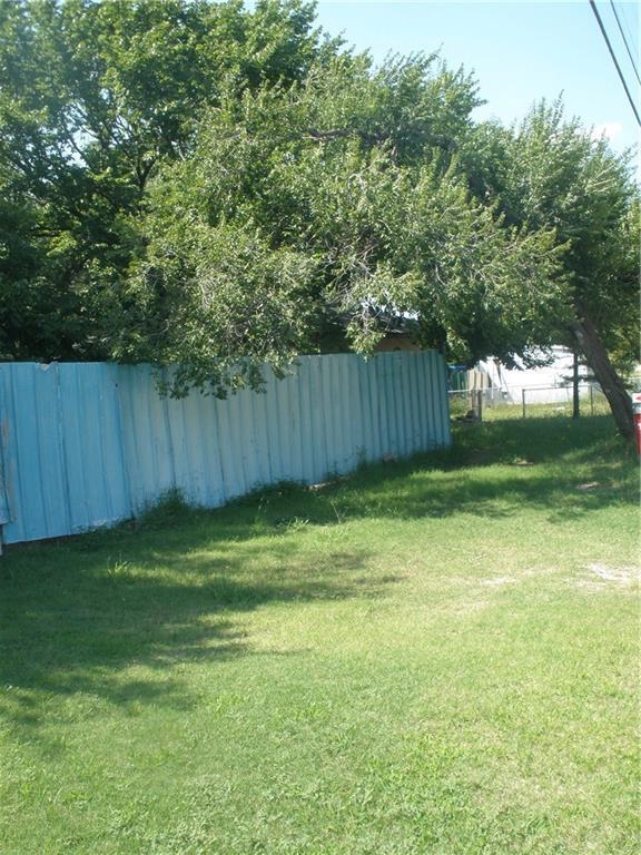 2833 Hillcrest, Moore, OK 73160 (MLS #833893) :: Wyatt Poindexter Group
