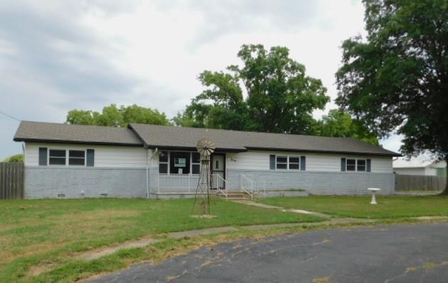 816 E Wrangler Boulevard, Seminole, OK 74868 (MLS #834563) :: Homestead & Co
