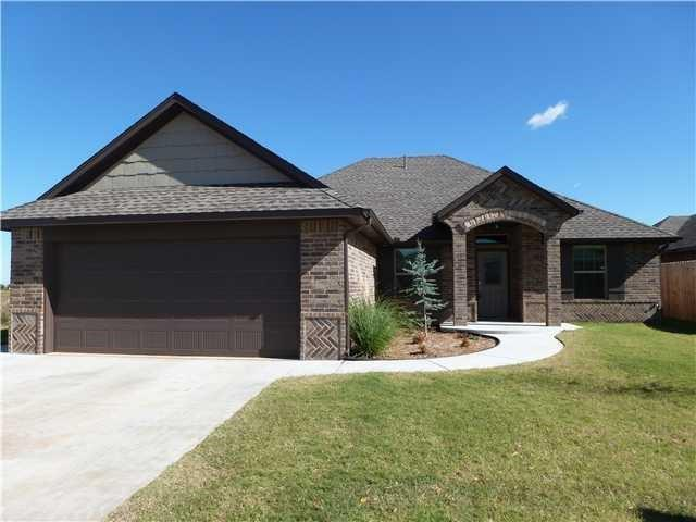 14328 Paddington Avenue, Oklahoma City, OK 73142 (MLS #835632) :: Homestead & Co