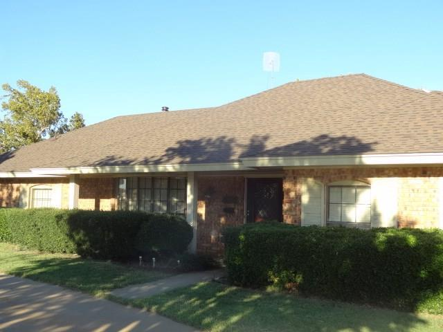 1634 Crestview, Cordell, OK 73632 (MLS #837194) :: Wyatt Poindexter Group