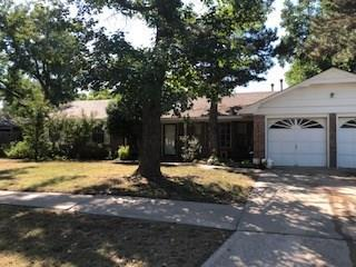 734 Westridge Terrace, Norman, OK 73069 (MLS #837622) :: Erhardt Group at Keller Williams Mulinix OKC