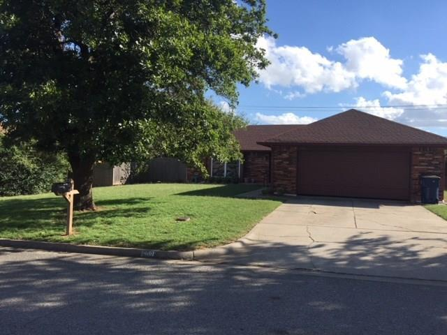609 SW 26th Place, El Reno, OK 73036 (MLS #838980) :: KING Real Estate Group