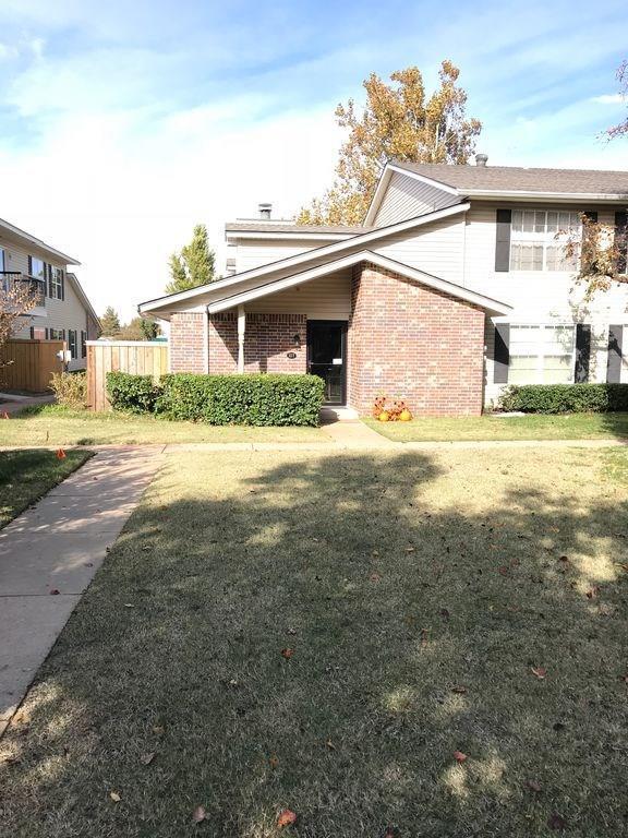 3200 W Britton Road #107, Oklahoma City, OK 73120 (MLS #840462) :: Wyatt Poindexter Group