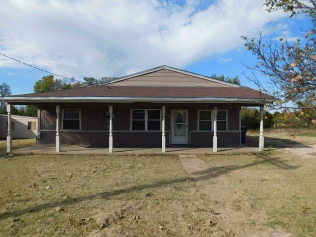 419 N Carol Terrace, Mustang, OK 73064 (MLS #842261) :: Homestead & Co