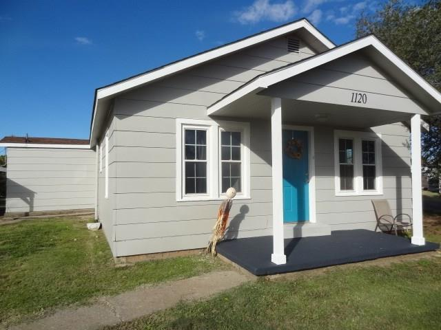1120 N Market, Cordell, OK 73632 (MLS #842302) :: Homestead & Co