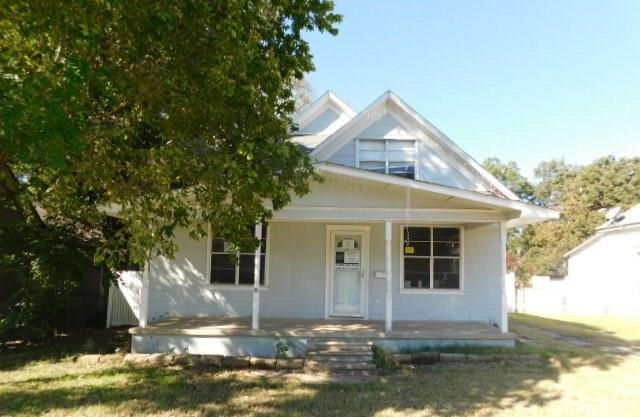 316 N Mckinley Avenue, Shawnee, OK 74801 (MLS #843542) :: Meraki Real Estate