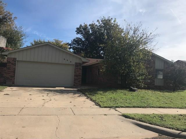 608 Sky Circle, Altus, OK 73521 (MLS #843827) :: Wyatt Poindexter Group