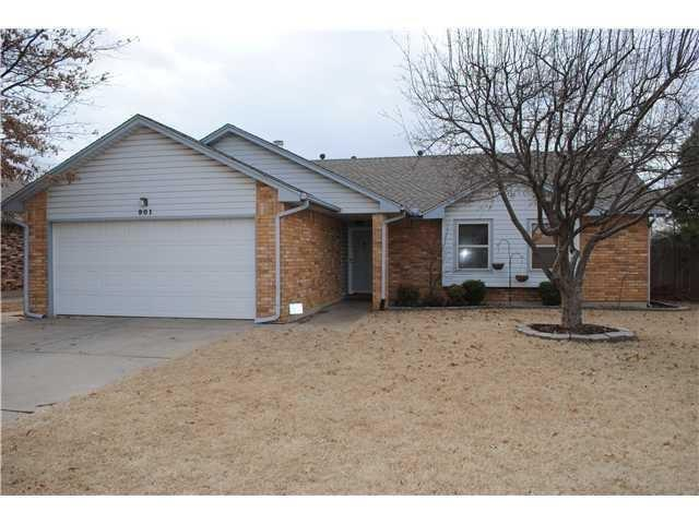 901 Sennybridge Court, Yukon, OK 73099 (MLS #844693) :: KING Real Estate Group
