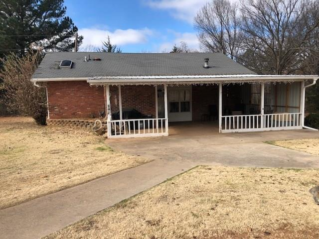 10 Austin Drive, Tecumseh, OK 74873 (MLS #845037) :: Homestead & Co