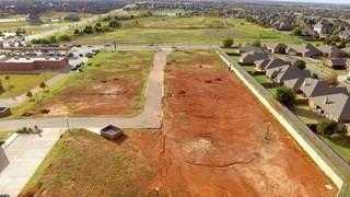 16604 N May, Edmond, OK 73012 (MLS #845457) :: Erhardt Group at Keller Williams Mulinix OKC