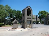 6000 N Pennsylvania #64, Oklahoma City, OK 73112 (MLS #847023) :: Homestead & Co