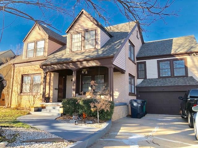 2121 NW 25th Street, Oklahoma City, OK 73107 (MLS #847746) :: Homestead & Co