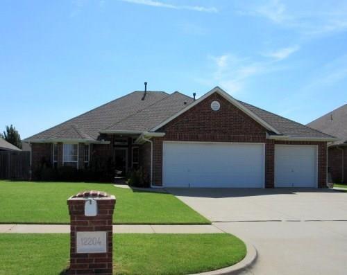 12204 Kimberlyn Road, Oklahoma City, OK 73162 (MLS #848592) :: Homestead & Co