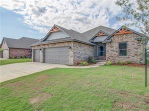 1736 W Zachary Way, Mustang, OK 73064 (MLS #849036) :: Erhardt Group at Keller Williams Mulinix OKC