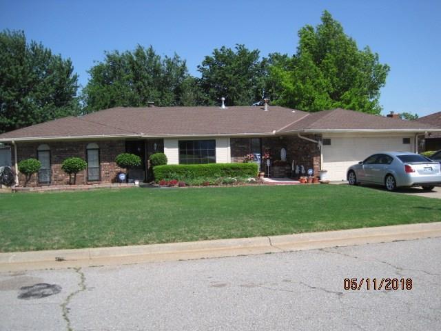 7312 Crown Point Road, Oklahoma City, OK 73132 (MLS #849990) :: Homestead & Co